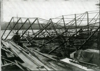 Husks decided to build a much larger new shed to cope with a growth of business.  Unfortunately, the new shed collapsed in a gale when under construction, and had to be dismantled and rebuilt. | Nottage Maritime Institute 02048i