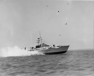 Vosper's MTB353 on trials in the River Colne in 1943. | Nottage Maritime Institute 02851a
