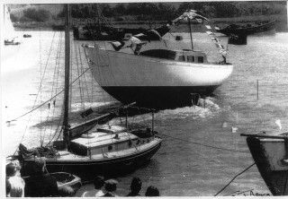 The launch of the Herald of Wivenhoe in 1963.   Nottage Maritime Institute 04002a