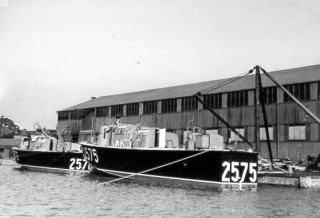 Besides building sixteen motor torpedo boats for the Royal Navy, Vosper's Wivenhoe yard also built two high speed rescue craft for the Royal Air Force numbered 2575 and 2576. | Nottage Maritime Institute 04306.06a