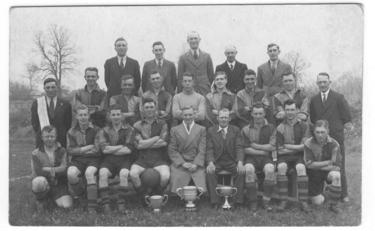 Wivenhoe footballers after a successful season.  When? who? | John Stewart N.M.I  04545