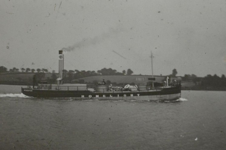 The Homelight leaving the Colne, 1904. | Nottage Maritime Institute 04344.44