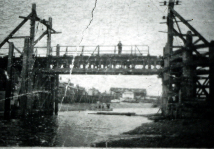 The bridge built by the Royal Engineers to link Rowhedge and Wivenhoe.  Unfortunately, this rather battered photograph is the best that could be found to show where the bridge actually was. | Nottage