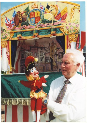 Mr Punch made his usual visit, bringing his Professor along too. | Jan Ward (Nottage Maritime Institute)