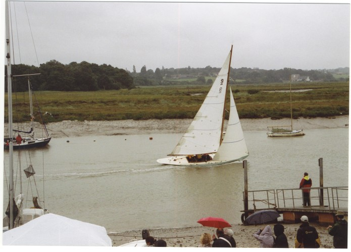 An East Coast One Design boat races home. | Jan Ward (Nottage Maritime Institute)