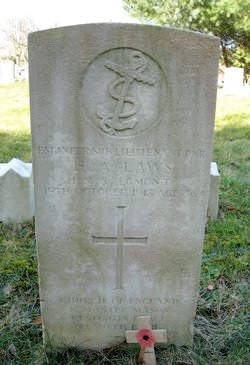 The CWGC headstone marking the grave of Engineer Sub-Lieutenant Henry Alexander Laws RNR who died on 19th October 1918.