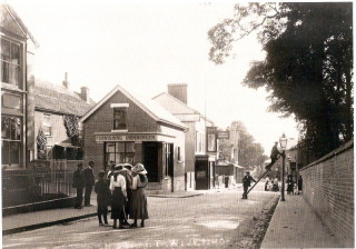 High Street and Junction with Queens Rd  1906  | Wivenhoe Memories Collection