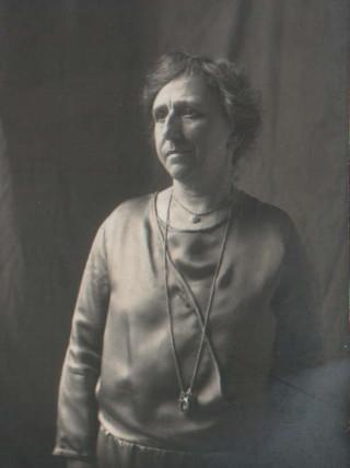 Mrs Georgina Cracknell