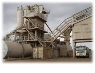 A picture of more modern  equipment at Wivenhoe Quarry