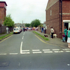 The Start of the Wivenhoe Mile Race - Tower Road Wivenhoe Carnival | Photo Mike Downes