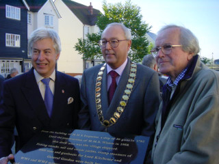 Cllr Peter Hill, Town Mayor David Craze and Don Smith