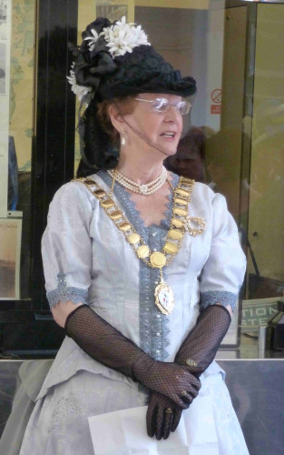 Town Mayor, Cllr Penny Kraft, making a speech in the Station Booking Office | Photo: Peter Hill