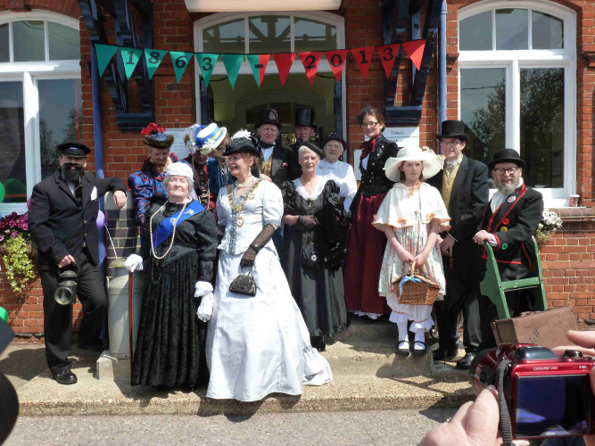 Town Mayor Cllr Penny Kraft on the station steps with 'Queen Victoria' | Photo: Peter Hill