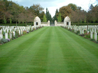 Cologne Southern Cemetery, Nordrhein-Westfalen, Germany   Photo from Commonwealth War Graves Commission