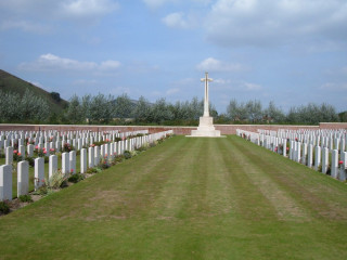 Philosophe British Cemetery, Mazingarbe, Pas de Calais, France | Photo from Commonwealth War Graves Commission