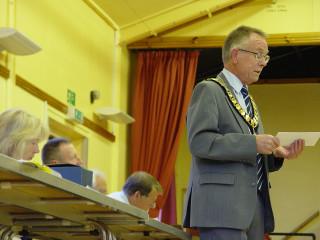 Town Mayor Cllr Brian Sinclair addressing the Annual Town Meeting | Jason Cobb