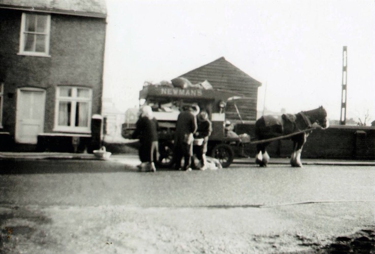 Mr Newman's Grocery Cart at The Cross, 1958. With Mr and Mrs Jennings and son Ken.   Ray Halls, Wivenhoe Memories Collection