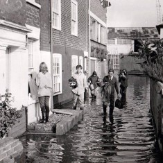 Spring tide 1969 on The Folly. Note the flood gates. | Wivenhoe Memories Collection
