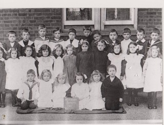 Wivenhoe Primary School. Infants 1911 | Wivenhoe Memories Collection