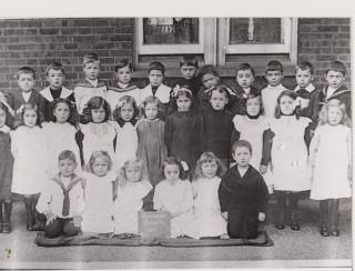 Wivenhoe Primary School. Infants 1911 | Wivenhoe Memories Collection