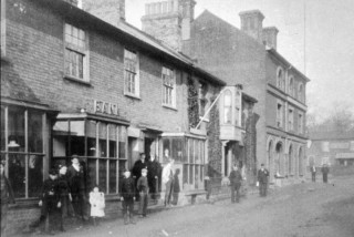 Parr's Bank on the High Street, 1920. Later taken over and eventually become part of NatWest. | Wivenhoe Memories Collection