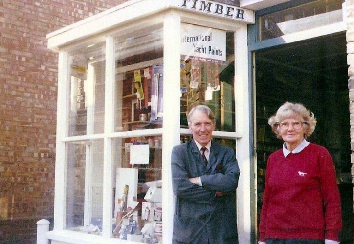 Mrs and Mrs Jack Mallett outside their hardware shop in East Street in the 1980s. | Wivenhoe Memories Collection