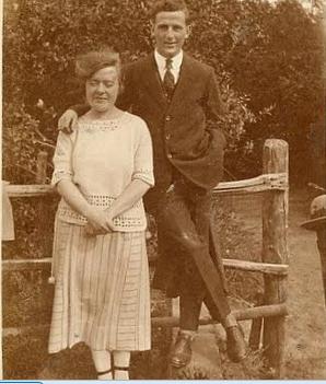 Etta Chamberlain with her boyfriend Fred Dan circa 1920s | Picture from Chris Goddard
