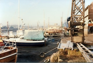 Hardings Yard/Colne Marine Quat Side and Crane   Photo Mike Downes