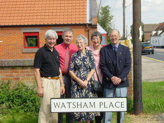 From left: Peter Hill, with Ray's son-in-law. Mrs Ray Watsham, Ray's daughter Rowena and Ray Watsham | Photo: Bonnie Hill