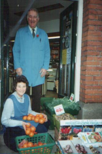 Gordon Green (28th June 1932 - 21st May 2002) with his wife Pat | Linda Panton