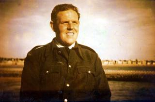 Wivenhoe Shipyard worker Alf Jefferies in the 1950s.  | Copyright Lynn Ballard.