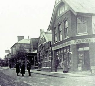 Barclays Bank in Wivenhoe High Street which closed in the 1980s. | Wivenhoe Memories Collection