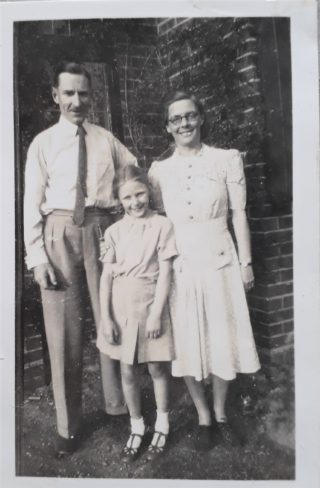 Sue Kerr nee Everitt with her father and mother | Sue Kerr