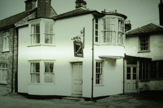 The Rose and Crown PH in the1950s   Photo Joe Halliwell loaned by Helen Douzier)