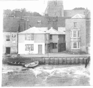 An early picture of The Rose and Crown | Photo: Wivenhoe Memories Collection