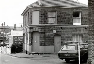 The Brewery Tavern after it closed in 1986 | Photo: Wivenhoe Memories Collection