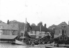 About The Anchor Inn c.1684 to c.1911