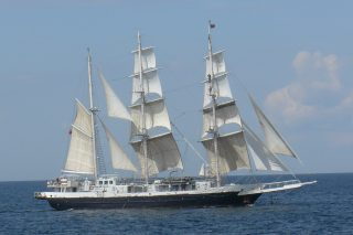 The STS Lord Nelson under sail | Source: Wikipedia