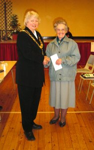 Town Mayor, Clr Gilli Primrose, presented Mrs Ivy White of the Wivenhoe Over 60s Club with a cheque | Peter Hill